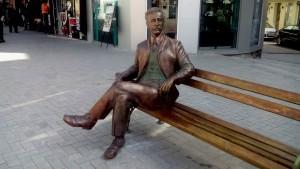 Warna statui