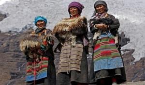 https://www.art1a1d.com/wp-content/uploads/2017/06/nepal-woman.jpg