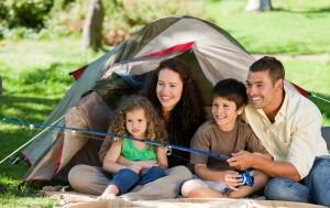 https://www.art1a1d.com/wp-content/uploads/2017/07/bigstock-Joyful-family-fishing-14499851.jpg